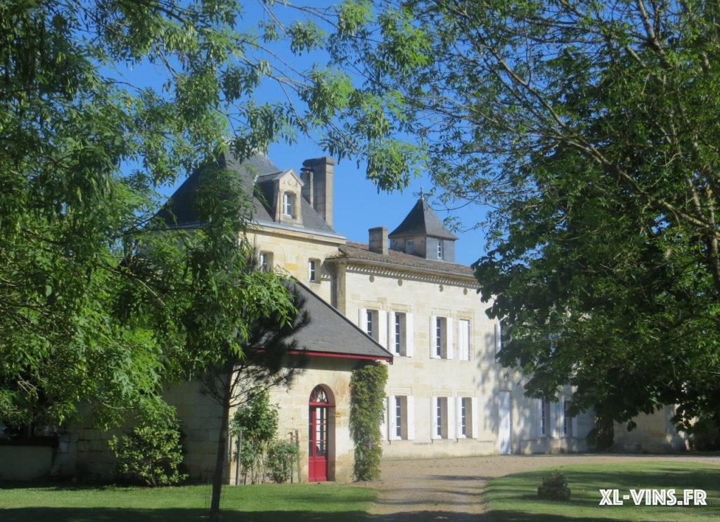 La très jolie façade du Château Chatain