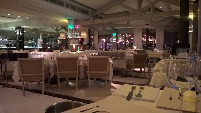 L'intérieur du restaurant de La Corniche