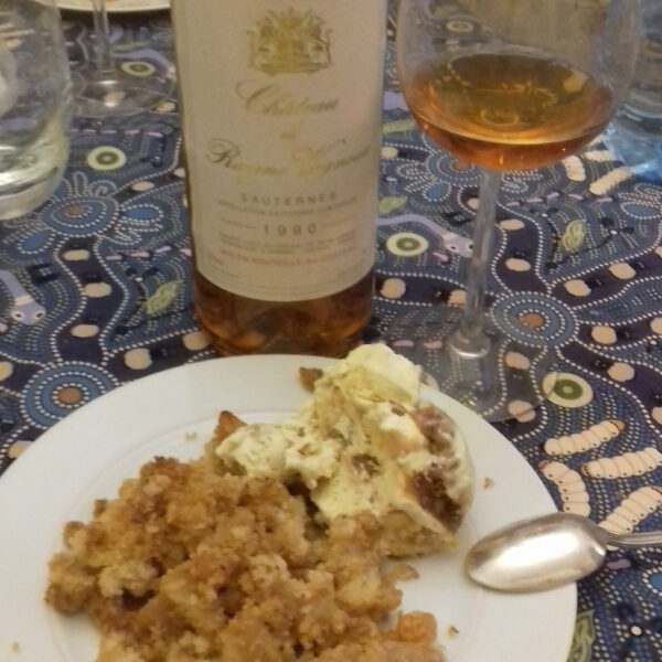 Philippe ROY propose un Château Rayne Vigneau avec un Crumble banane coco raisins, pommes et glace vanille