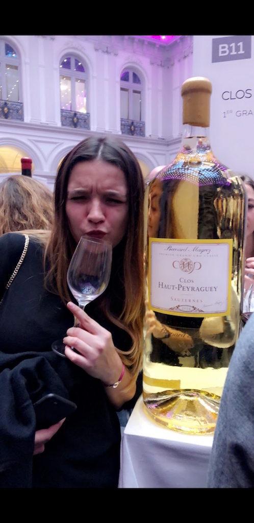 La pétillante Cloe Tournier pose pour Clos Haut Peyraguey !